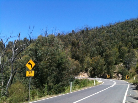 Kinglake-road-Victoria